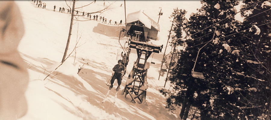 ホテル対岳館には、たくさんの山岳愛好家の人生のシュプールが跡されています