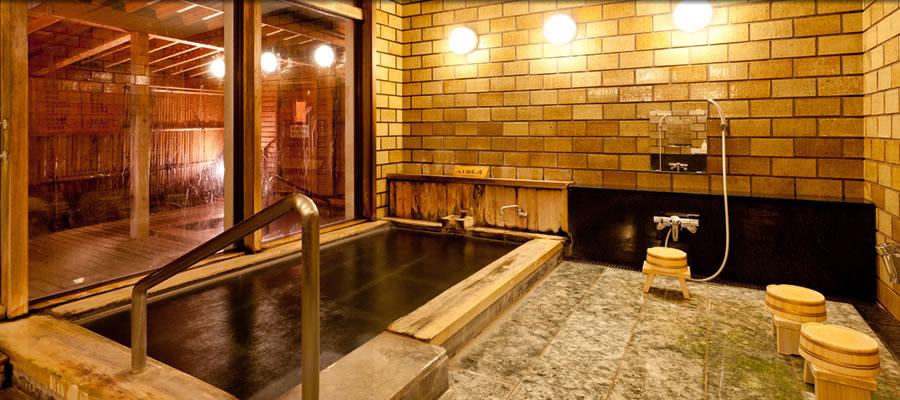 八方温泉・塩の道温泉の2種類の温泉が楽しめます